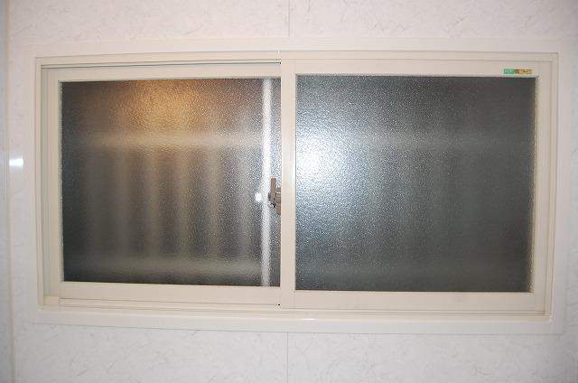 大府市 ホンダトーヨー 浴室用内窓インプラス取付 2010/12/17