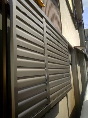 大府市 ホンダトーヨー 浴室窓に目隠し面格子取付 2010/08/14