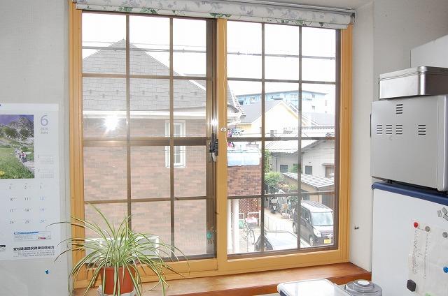 大府市 ホンダトーヨー 出窓に内窓インプラス取り付け 2010/06/13