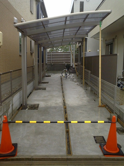大府市 ホンダトーヨー 新築住宅の外構工事 2010/04/28